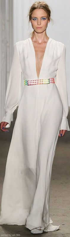 Honor Spring 2015 Ready-to-Wear Fashion Show White Fashion, Look Fashion, Fashion Show, Fashion Design, Couture Fashion, Runway Fashion, Womens Fashion, Beautiful Gowns, Beautiful Outfits