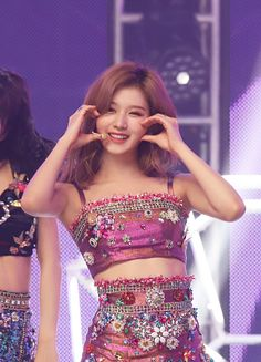 Top 3 Visual Members Of Blackpink & Twice Blackpink Twice, Twice Kpop, Twice Sana, Nayeon, Stage Outfits, Kpop Outfits, South Korean Girls, Korean Girl Groups, Korean Beauty Standards