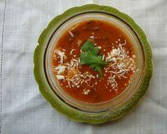 Summer-in-winter tomato arugula soup