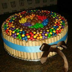 Torta de chocolate con pirulin y dandys
