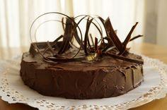 Bata Bakerina: un pendiente de sabor y diseño resuelto a término ;) / Alma Singer
