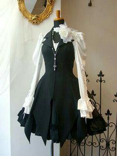 Gothic Lolita Dress, Gothic Lolita Fashion, Gothic Outfits, Emo Dresses, Dress Outfits, Fashion Dresses, Pretty Outfits, Pretty Dresses, Cute Outfits
