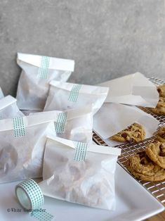 packaging ideas: Individual servings of chocolate chip cookies packaged in glassine bags and enclosed with decorative tape. Bake Sale Packaging, Brownie Packaging, Baking Packaging, Biscuits Packaging, Dessert Packaging, Bread Packaging, Food Packaging Design, Packaging Ideas, Diy Cookie Packaging