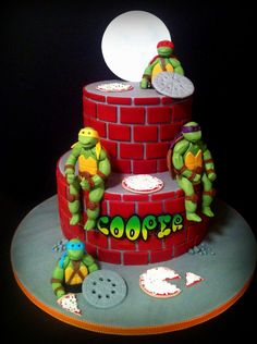 Thank you to Teaparty for the design and inspiration of this cake! Made for my best friend's little boy on his birthday.they were quite the challenge! Turtle Birthday Parties, Ninja Turtle Birthday, Ninja Turtle Party, Birthday Ideas, Birthday Cakes, Cupcakes, Cupcake Cookies, Ninja Turtles, Tmnt Cake