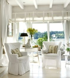 White Washed Furniture and Interiors That Inspire