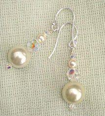 Perfect Pearl and Crystal Dangle Earrings - Perlen Basteln Wire Jewelry, Jewelry Crafts, Wedding Jewelry, Jewelery, Jewelry Ideas, Wedding Earrings, Wire Bracelets, Wire Rings, Silver Jewelry