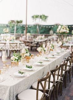 Photography : OMalley Photographers | Floral Design : Flora Nova | Event Planning : VOWS Wedding & Event Planning Read More on SMP: http://www.stylemepretty.com/2016/03/24/chic-backyard-farm-wedding-in-washington/