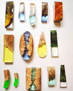 wood and resin jewelry Diy Resin Art, Diy Resin Crafts, Wood Resin, Jewelry Crafts, Driftwood Jewelry, Wooden Jewelry, Diy Schmuck, Schmuck Design, Resin Jewelry Making