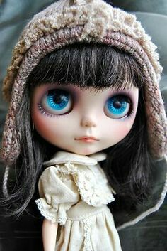 Blythe doll-these Big Head Tim Burton looking characters are so cute.I want some.