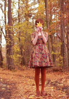 Such a great dress for fall - brocade pattern