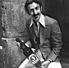 Frank Zappa Best Song Ever, Best Songs, Classic Photography, Live Rock, Frank Zappa, Music Photo, World Music, Kinds Of Music, Music Artists