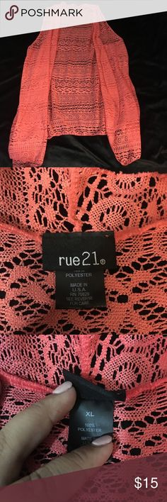 Rue 21 Used once- in great condition. Such a pretty pattern to pair up with a pair of jeans and booties! Rue 21 Tops
