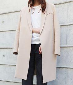 Beige coat, white t-shirt & black trousers | @styleminimalism