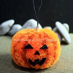 Pom Pom Tutorial: Spooky Halloween Jack O' Lantern | Free Pattern & Tutorial at CraftPassion.com