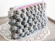 adorable bubble crochet clutch by thebloomingthread