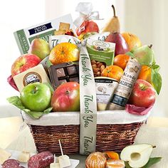Chance to Win a Golden State Fruit Gourmet Abundance Gift Basket! This festive fruit abundance gourmet basket of mango, 2 comic pears, a red pear, 2 brae.LOVE TO WIN! Gourmet Gift Baskets, Gourmet Gifts, Gourmet Recipes, Fruit Party, Fruit Snacks, Dried Fruit, Fresh Fruit, Fruit Sec, Fruit Gifts