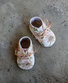 Tiny kicks adorned with blooms. Too cute!