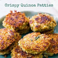 Crispy Quinoa Patties - Holly's baking addiction-these versatile patties are crispy on the edges, warm in the center, and freeze well for a quick meal. Add your favorite spices and veggies! Veggie Recipes, Vegetarian Recipes, Cooking Recipes, Healthy Recipes, Qinuoa Recipes, Quinoa Recipes Easy, Healthy Tips, Healthy Choices, Crispy Quinoa
