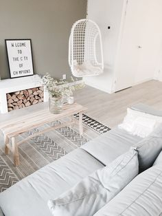 Living Room Grey, Small Living Rooms, Home Living Room, Living Room Designs, Living Room Decor, Apartment Interior, Apartment Living, House Inside, Living Room Lighting