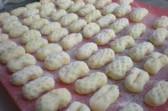 Domácí gnocchi (knedlíky) | NejRecept.cz Czech Recipes, Gnocchi, Dumplings, Pasta Dishes, Tart, Sausage, Side Dishes, Food And Drink, Cooking Recipes