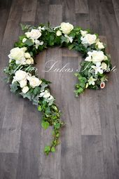 Bildergebnis für grabbepflanzung allerheiligen The Effective Pictures We Offer You About funeral sprays A quality picture can tell you many things. Arrangements Funéraires, Funeral Flower Arrangements, Funeral Flowers, Wedding Flowers, Deco Floral, Arte Floral, Grave Decorations, Flower Decorations, Funeral Sprays