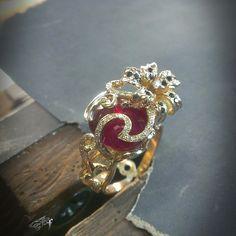 """The lilly"" ring(made exclusively for women),yellow gold,ruby,diamonds(+black) #ring #jewelry #jewellery #yellowgold #diamond #blackdiamond  #exclusivedesign #lilly #gold #ruby #forwomen #accessories / Кольцо ""Лилия""(эксклюзивно для женщин) жёлтое золото,рубин,бриллианты(+чёрные) #золото #кольца #бриллиант #черныйбриллиант💎 #жёлтоезолото #рубин #ювелирныеизделия #ювелирныеукрашения #franguebyzverev"