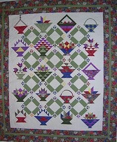 Quilt Inspiration: Basket Quilts Part I Sampler Quilts, Scrappy Quilts, Quilting Rulers, Quilting Tips, Quilted Throw Blanket, Basket Quilt, Textiles, Sewing Baskets, Kona Cotton