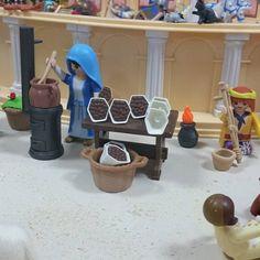 Dani, Diorama, Kids Playing, Ideas Para, Portal, Kindergarten, Lego, Toys, Children