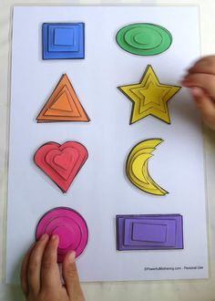 Printable Shape Matching and Size Sorting Activity Learn the basics of shapes, colors and size sorting with this simple printable. Also great for fine motor skills with toddlers. Sorting Activities, Montessori Activities, Preschool Learning, Preschool Activities, Math Games, Printable Shapes, Free Printable, Learning Shapes, Learning Spanish