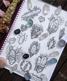 Drawn Crystals moon 3 - 640 X 798 diy tattoo - diy tattoo images - diy tattoo ideas - diy best tatto Simbolos Tattoo, Tattoo Mond, Tattoo Style, Piercing Tattoo, Body Art Tattoos, New Tattoos, Heart Tattoos, Skull Tattoos, Sleeve Tattoos