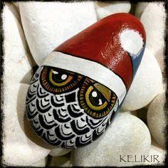 this SantaOwl is in deep  trouble...he misplaced his beardibeard n moustache  . . . .  #owlsofinstagram #owlobsession #owlcollection #owleverywhere #owl #myart #owladdict #owldrawing #owl #acrylic #stonepainting #rockpainting #rockart #buhos #art #owlart #tasboyamasanati #acrylicpainting #tastasarim #pebbleart #stoneart  #artcomplex #christmas #santaclause #beautiful_stones #tasboyama #artsanity #arts_help#supportart #gift