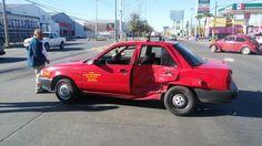 Se pasa una luz roja e impacta a taxi para luego darse a la fuga en la Agustín Melgar | El Puntero