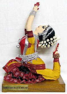 http://www.dollsofindia.com/dollsofindiaimages/dolls/odissi_LC45_l.jpg