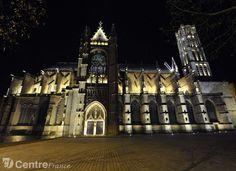 La cathédrale Saint Etienne de Limoges, un des monuments du Parcours de lumière, côté ville. - Photo Thomas Jouhannaud