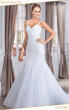 Jacquard #vestidosdenoiva #noiva #vestidodenoiva #bride #wedding #casamento #weddingdress #weddingdresses #bridaldress