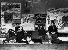 Madrid. November-December, 1936. During the Italo-German air raids, many people took shelter in the subway stations//Robert Capa