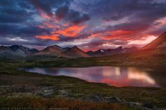 MT. EDZIZA - PROVINCIAL PARK - BRITISH COLUMBIA - CANADA