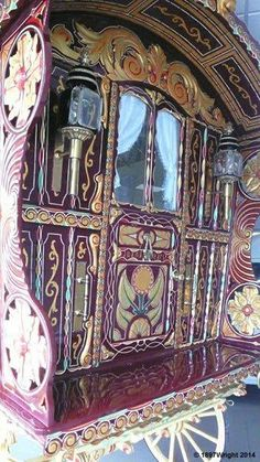 Caravan, Gypsy caravans, Gypsy Waggons and Vardos: Features and Articles Michael Lee Gypsy Home, Bohemian Gypsy, Gypsy Style, Hippie Style, Gypsy Decor, Bohemian Decor, Bohemian Room, Gypsy Trailer, Gypsy Culture