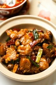 Recette du poulet au coca et épices : avec son côté sucré-salé, on aurait pu le ranger dans les recettes Asiatiques, mais le coca à joué en faveur de l'Amérique !