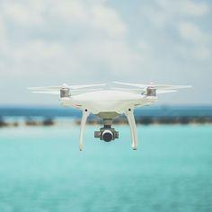 Presentamos un nuevo proyecto a nivel nacional donde imparten cursos profesionales para convertirte en un experto en pilotaje de drones. Barcelona, Drones, Fighter Jets, Aircraft, Marketing Strategies, Turismo, Aviation, Plane, Barcelona Spain