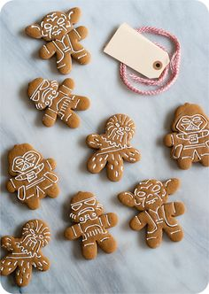 We love gingerbread and these are super cute. Darth Vader, Chewbacca and Yoda cookies. star wars gingerbread cookies