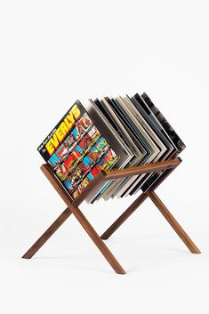 Craft room vinyl storage record collection 35 Ideas for 2019 Vinyl Record Display, Vinyl Record Storage, Lp Storage, Book Storage, Record Player Table, Record Stand, Record Table, Record Holder, Record Players