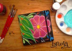 ::Sketchbook Flor:: Formato 15x15cm, pintado a mano con acrilico, Papel bond ahuesado 90 gr Pasta blanda papel kraft, tamaño pasaporte. Ilustración: Liliana Castro Adquiere los tuyos en https://www.kichink.com/stores/brooja #brooja #sketchbook #notebook #kraft #libreta #cuaderno #illustration #ilustración #sharpie #handmade #onlineshopping #kichink #acrilico #mexico