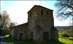XOAN ARCO DA VELLA: IGLESIA DE SAN MARIÑO - NEIRA DE REI Cabin, House Styles, Building, Travel, Saints, Arch, Kings Of Leon, 15th Century, Mansions