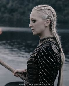 Ragnar Lothbrok, Lagertha, Viking Braids, Viking Hair, Viking Dress, Vikings Show, Vikings Tv Series, Viking Warrior, Viking Woman