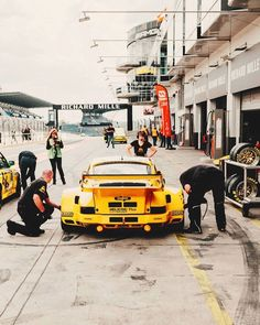 Porsche Motorsport, Porsche 935, Road Racing, Auto Racing, Z Photo, Cars And Motorcycles, Hot Wheels, Cool Cars, Race Cars