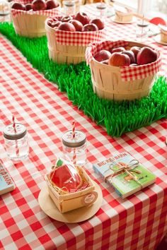 Farm-themed party