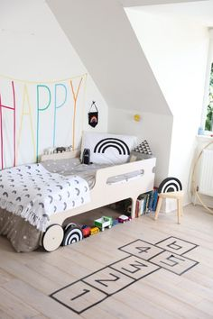 Black and White Rooms with a Pop of Colour! petitandsmall.com...