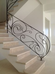 19 Ideas wrought iron stairs railing for 2019 Wrought Iron Stair Railing, Stair Handrail, Staircase Railings, Wrought Iron Gates, Railing Design, Staircase Design, Beautiful Stairs, Wooden Stairs, Interior Stairs