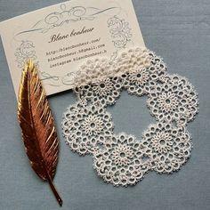 ウエディングのレース リングピロー用のレースは100番の糸にビーズを入れて製作します。 丸いレースは私にとって永遠の定番。何度作っても好きなモチーフです。 #ブランボヌール#blancbonheur#タティングレース#tattinglace #frivolite#ウエディング#wedding#オーダーメイドレース #ordermadelace #リングピロー#ringpillow #今日から2月